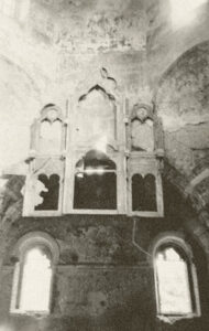 Разрушения в церкви